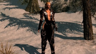 Skyrim Mod – Cleric Armour Upgrate Ebony black and white