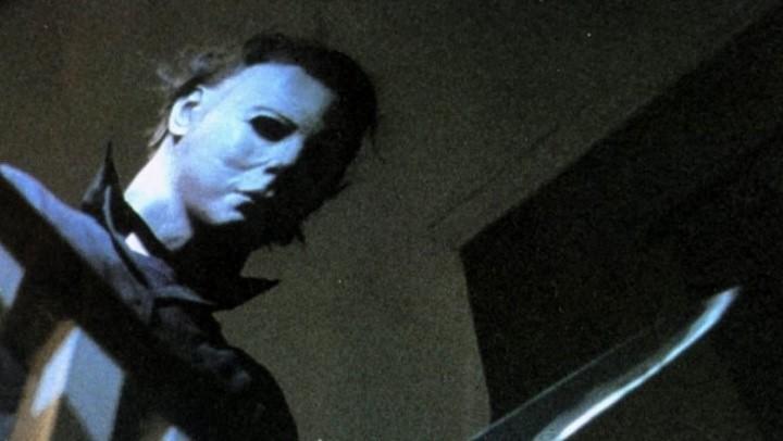 Dead by Daylight wird um Inhalte aus John Carpenters Halloween erweitert - inklusive Killer Michael Myers, Laurie Strode und einem Vorort-Level.